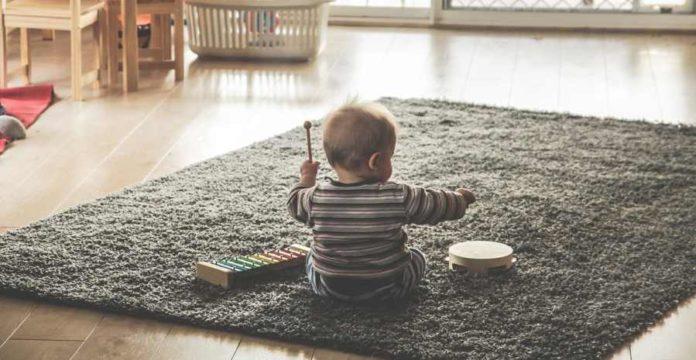 Mainan anak untuk menunjang perkembangan