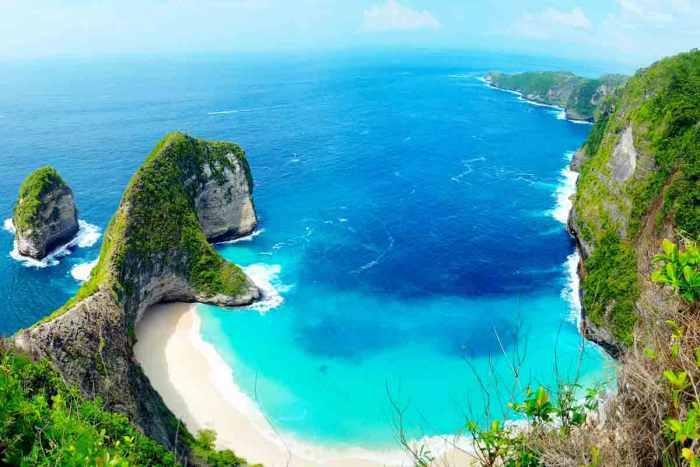 11 Tujuan Wisata Indonesia Terkenal Yang Mendunia