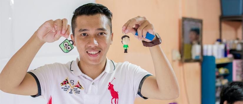 Kisah Penjual Gantungan Kunci Haji Lulung, Dari Pemulung Jadi Pebisnis Ulung