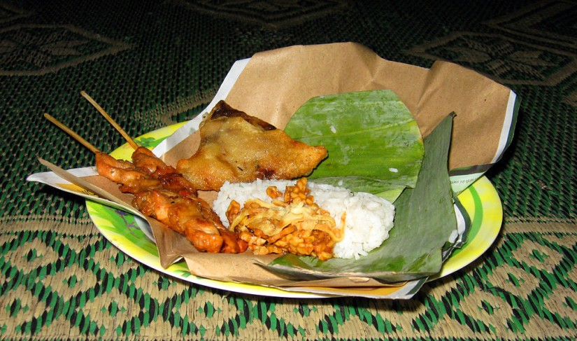makanan khas indonesia yang namanya unik - nasi kucing yogyakarta