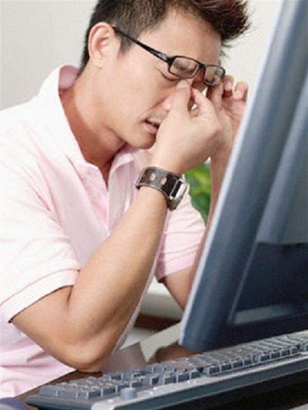 gangguan kesehatan akibat terlalu sering di depan komputer