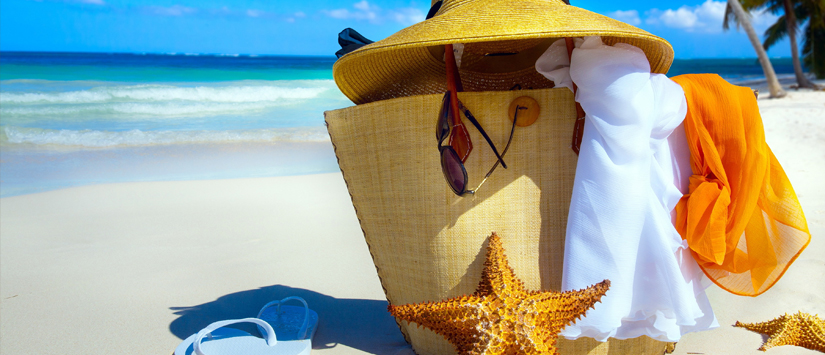 Suka liburan ke pantai? ini dia 7 fashion item yang wwajib kamu miliki