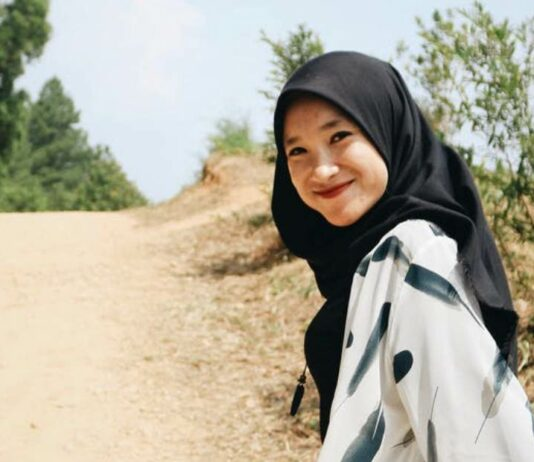 Fashion Hijab untuk Liburan