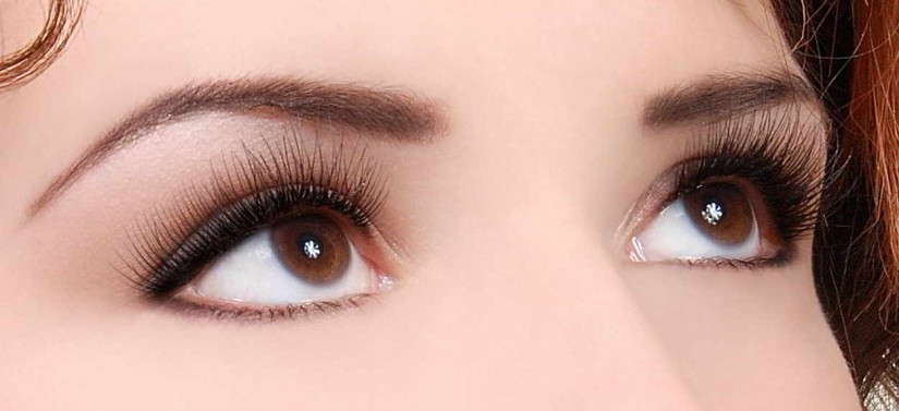 Ini Dia 4 Cara Membentuk Alis Mata yang Cantik dan Sempurna - Tentukan titik akhir
