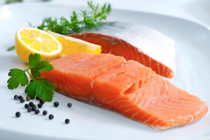 makanan yang bisa meningkatkan mood - salmon