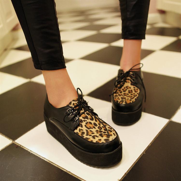 aksesoris fashion tahun 90-an yang kembali menjadi trend masa kini - sepatu  platform ed3d488201