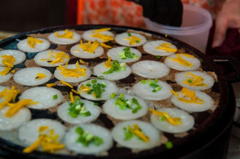 makanan yang wajib dicoba saat berlibur ke bangkok thailand - Khanom Krok