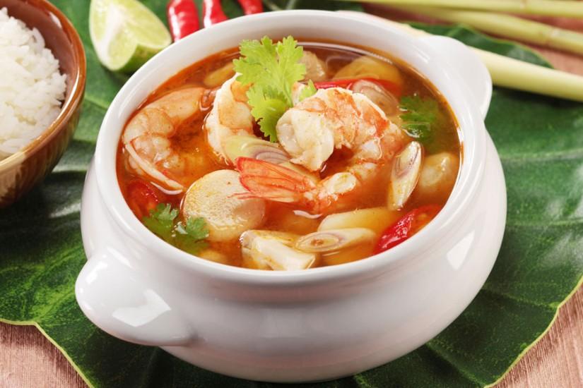 makanan yang wajib dicoba saat berlibur ke bangkok thailand - tom yam