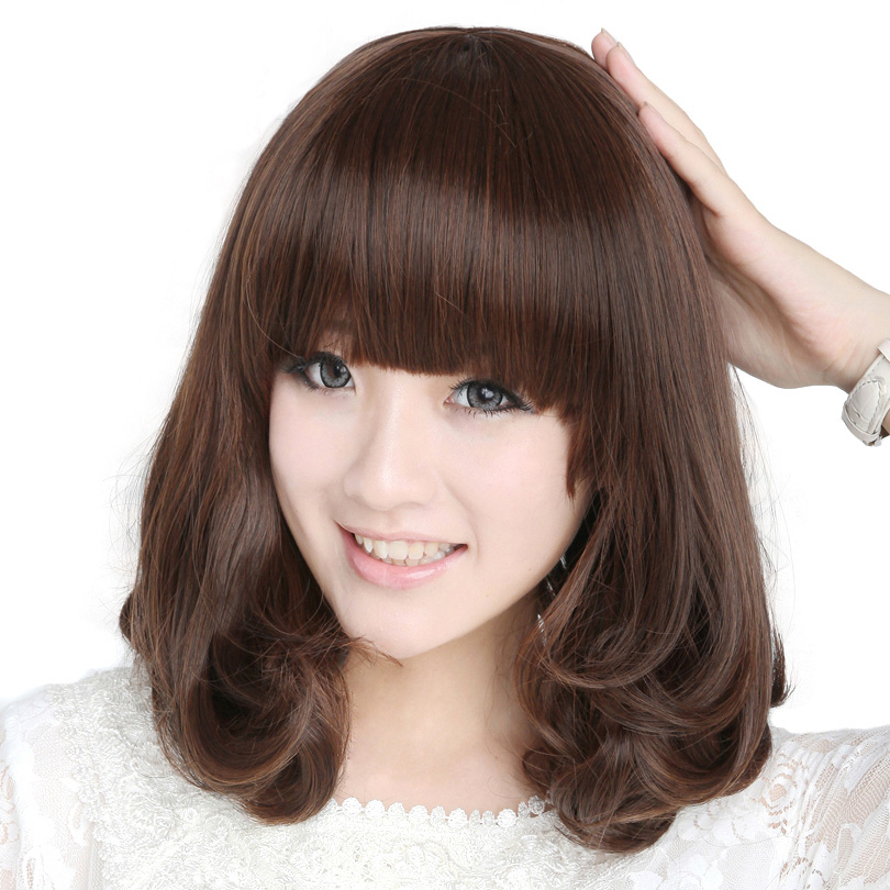 Model rambut wanita korea yang lagi trend - potongan rambut sebahu dengan poni depan lurus