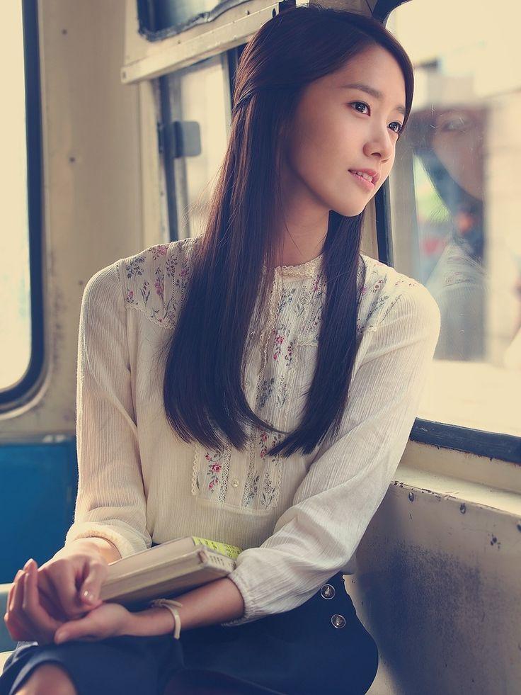 Model rambut wanita korea yang lagi trend - rambut panjang lurus tanpa poni
