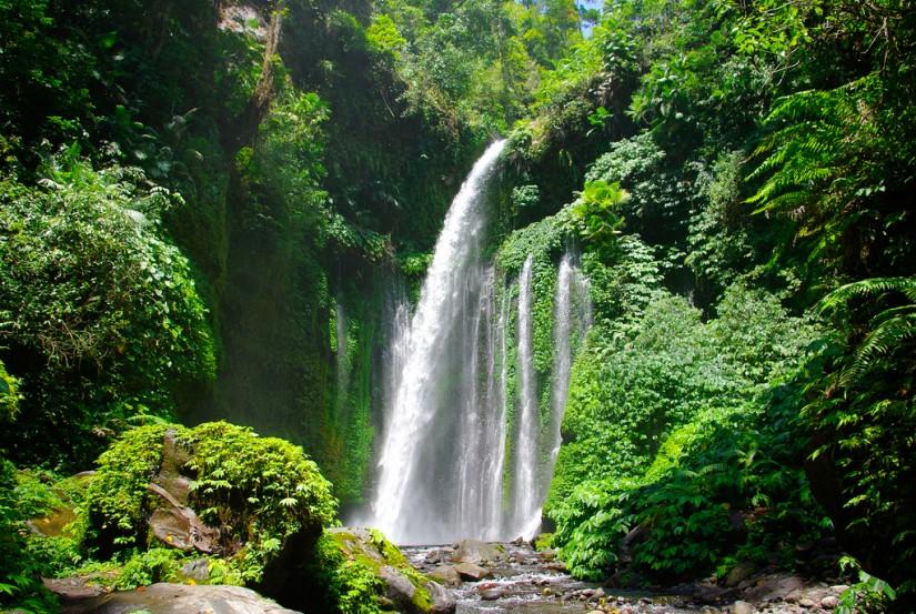 tempat wisata yang wajib dikunjungi saat berlibur ke lombok - air terjun sendang gile