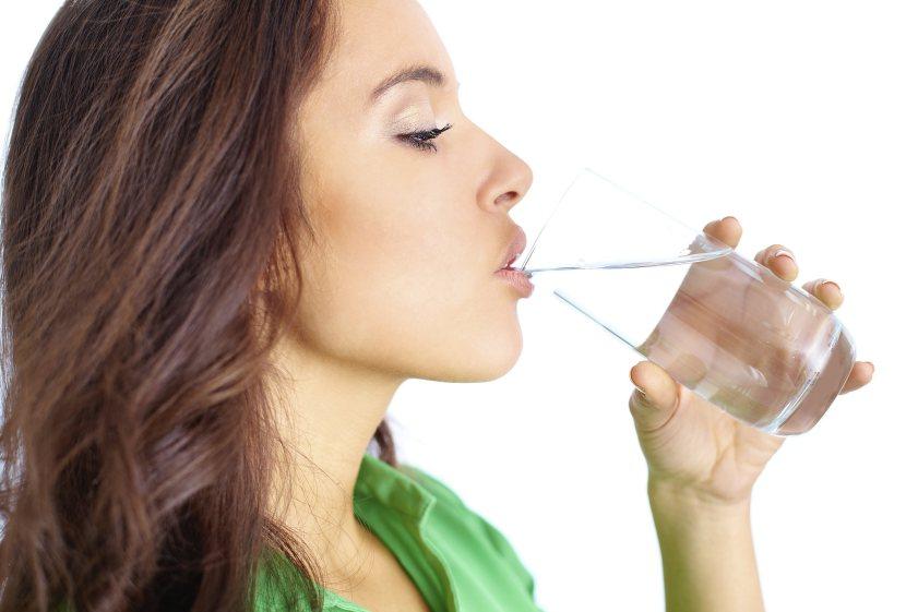 tips diet cepat dan sehat - perbanyak minum air putih