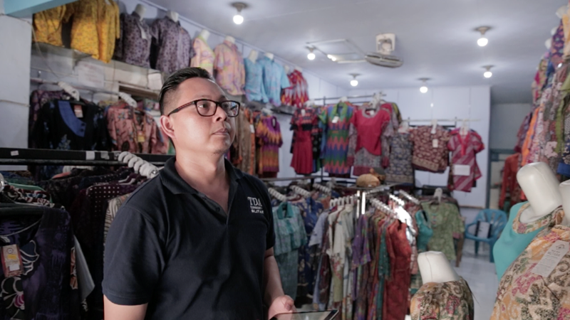 Riko Saputro - Mulai dari Minus, Kini Sukses Jadi Inspirasi- kisah sukses penjual online di Tokopedia