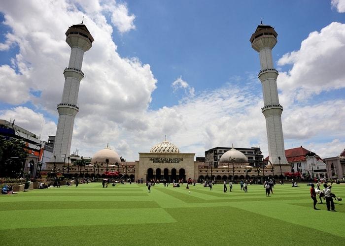 alun-alun-bandung-masjid-agung-min