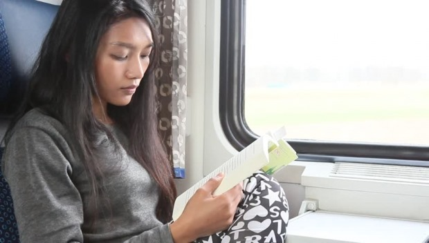 siapkan buku untuk mudik di jalan dengan kereta api