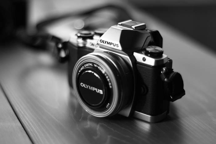 5 Gadget Wajib Vlogger Pemula Yang Harus Toppers Miliki