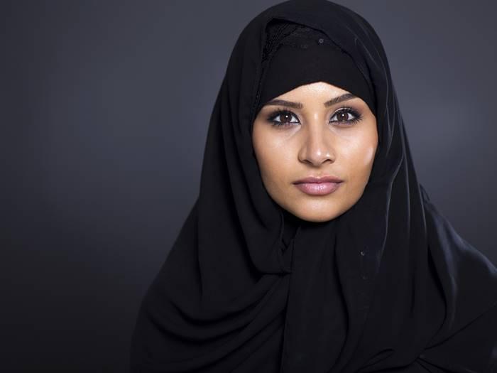 Bebas Ribet Ini Dia Tutorial Hijab Praktis Untuk Sehari Hari Tokopedia Blog