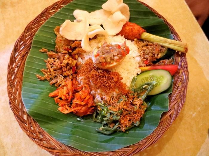 makanan khas bali - nasi campur ayam