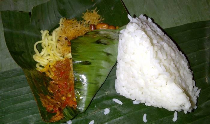wisata kuliner bali - nasi jinggo
