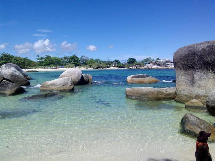 tempat wisata Belitung - Pantai Tanjung Tinggi