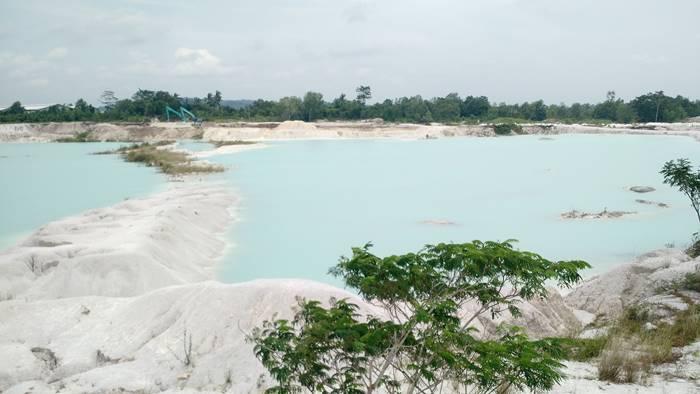 wisata bangka - danau kaolin