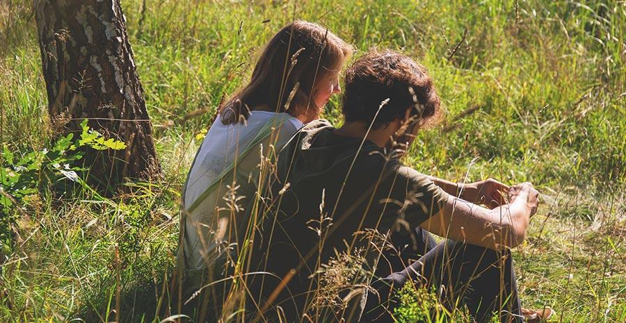 15 Kata Kata Minta Maaf Buat Pacar Yang Romantis Tokopedia