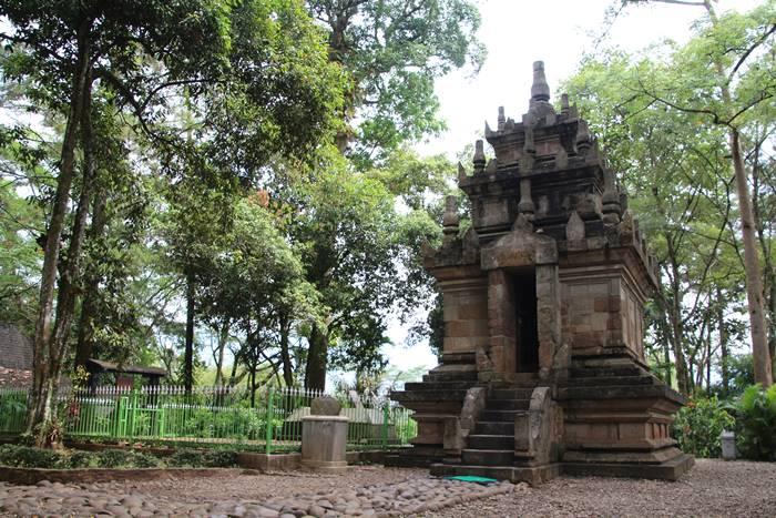 Candi Cangkuang
