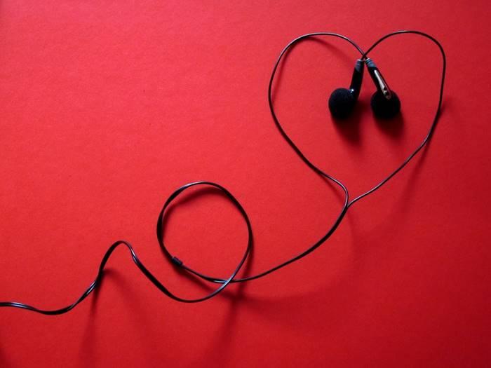 hadiah valentine earphone