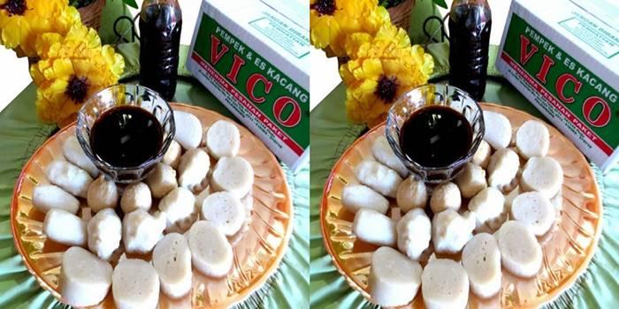 tempat makan pempek vico