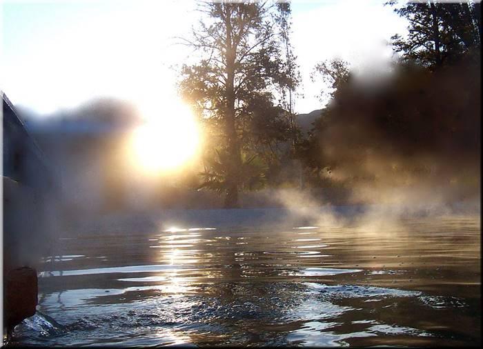 Tempat Pemandian Air Panas di Giri Tirta