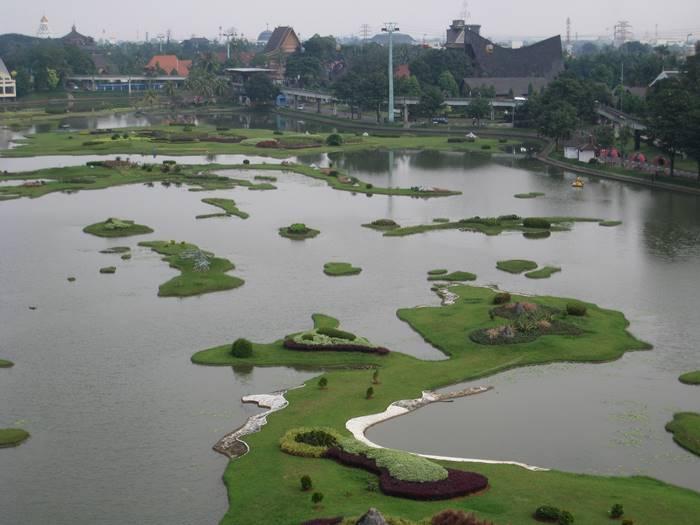 tempat wisata alam taman mini indonesia indah