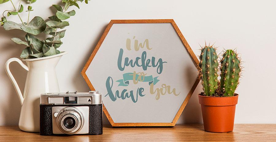 Cara Membuat Bingkai Foto Dari Kayu Mudah Praktis Tokopedia Blog