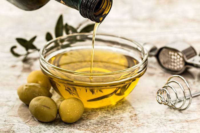 cara menghilangkan rambut bercabang - olive oil
