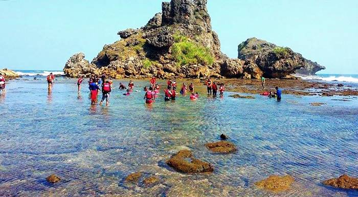 Pantai Nglambor di Jogjakarta