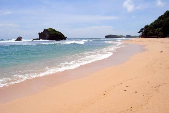 Pantai Sundak di Jogjakarta