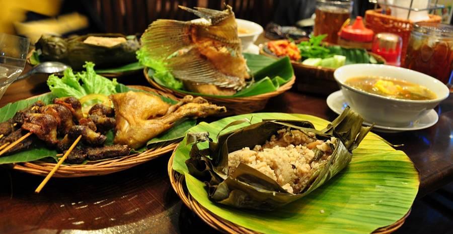 20 Destinasi Wisata Kuliner Bandung Hits - Tokopedia Blog