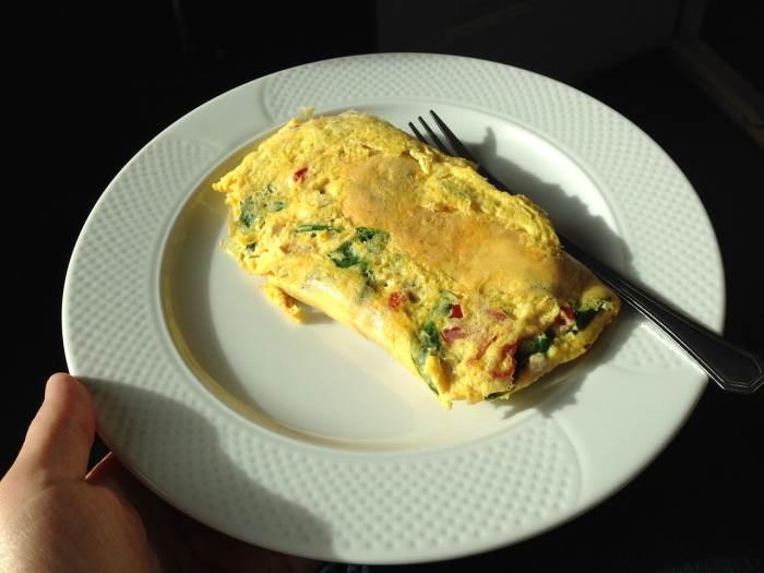 Menu Sahur Cepat Saji - omelete mie