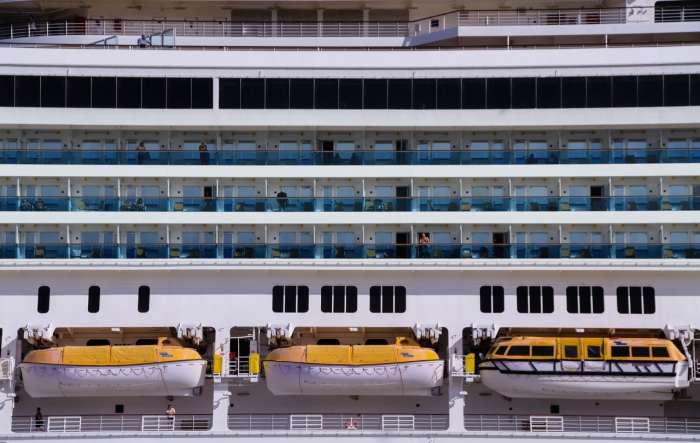 Tips Mudik Dengan Kapal Laut - pelajari safety tips