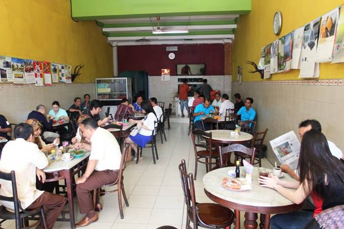 wisata kuliner warung kopi nan yo di Padang