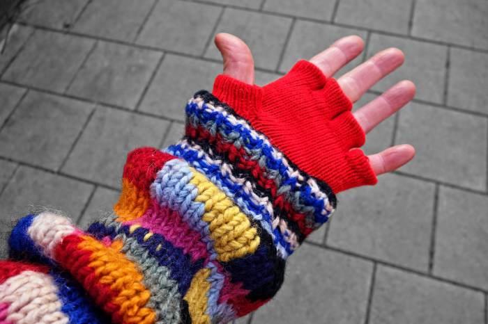 item wajib dibawa saat mudik - pakaian hangat
