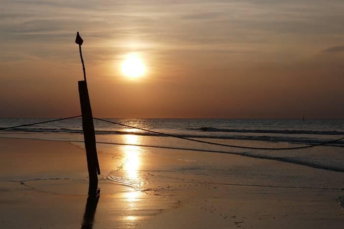 7 Kegiatan Menarik yang Bisa Dilakukan di Karimun Jawa - Menikmati Sunset