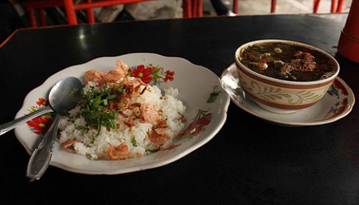 Wisata Kuliner Simpang Kinol Padang