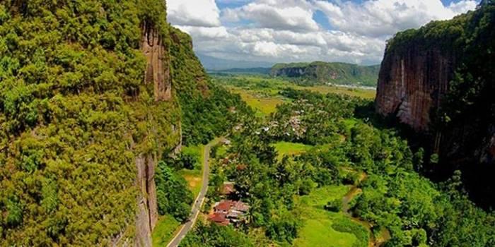 Destinasi Wisata Padang Terbaik