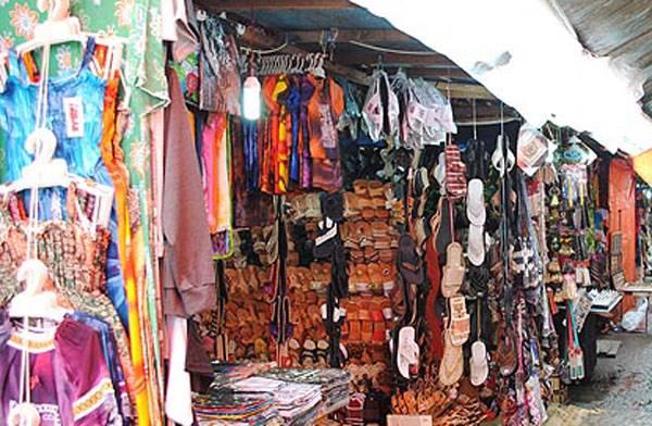 Wisata Belanja di Padang