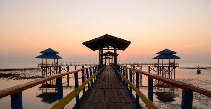 9 Tempat Wisata Alam dan Pantai Terbaik di Surabaya ...