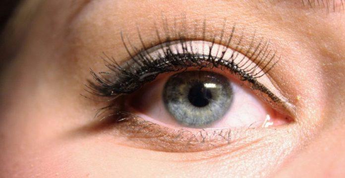 Merk Eyeliner yang Bagus