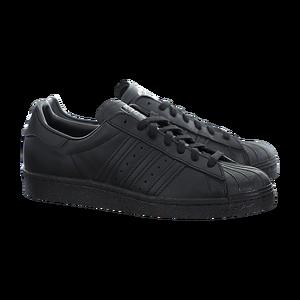 10 Model Sneakers Hitam Pria Favorit - Tokopedia Blog 18865ca58d