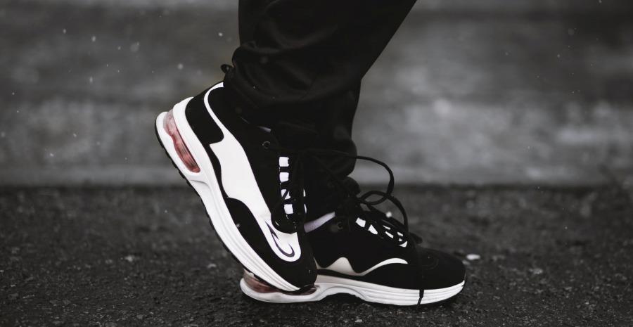 8 Merk Sneakers Murah Berkualitas Terbaik - Tokopedia Blog 89689c176b