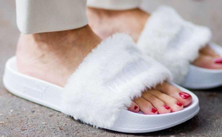 Sandal Fur Slides