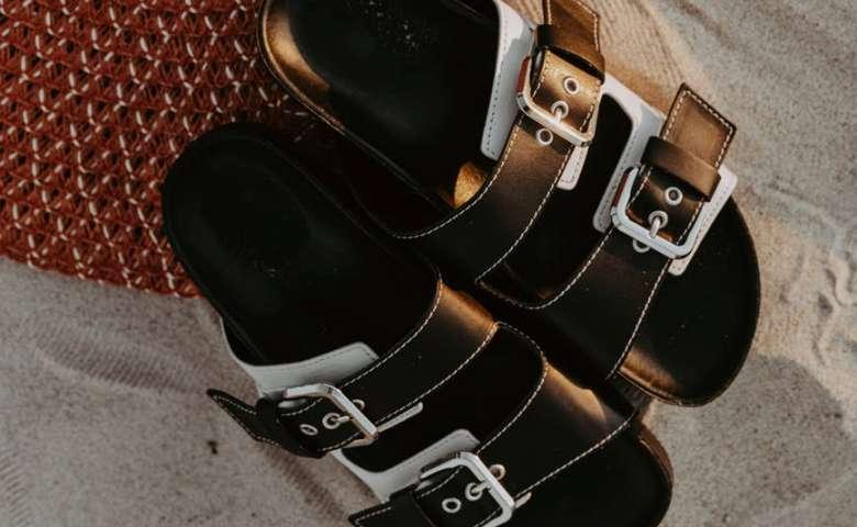 Sandal flatbed